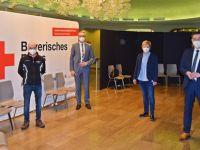 Impfzentrum im Rosenthal-Theater gestartet