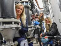 Frauenpower bei Selber Abwasserentsorgung